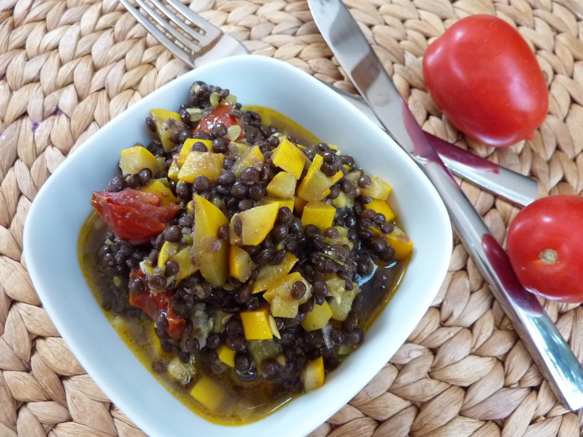 Zucchini-Belugalinsensalat