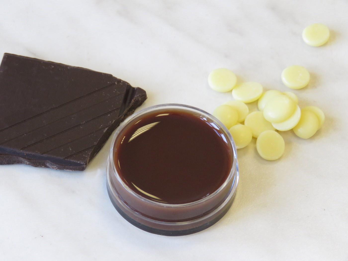 Schokolade, Kakaobutterdrops, Lippenbalsam