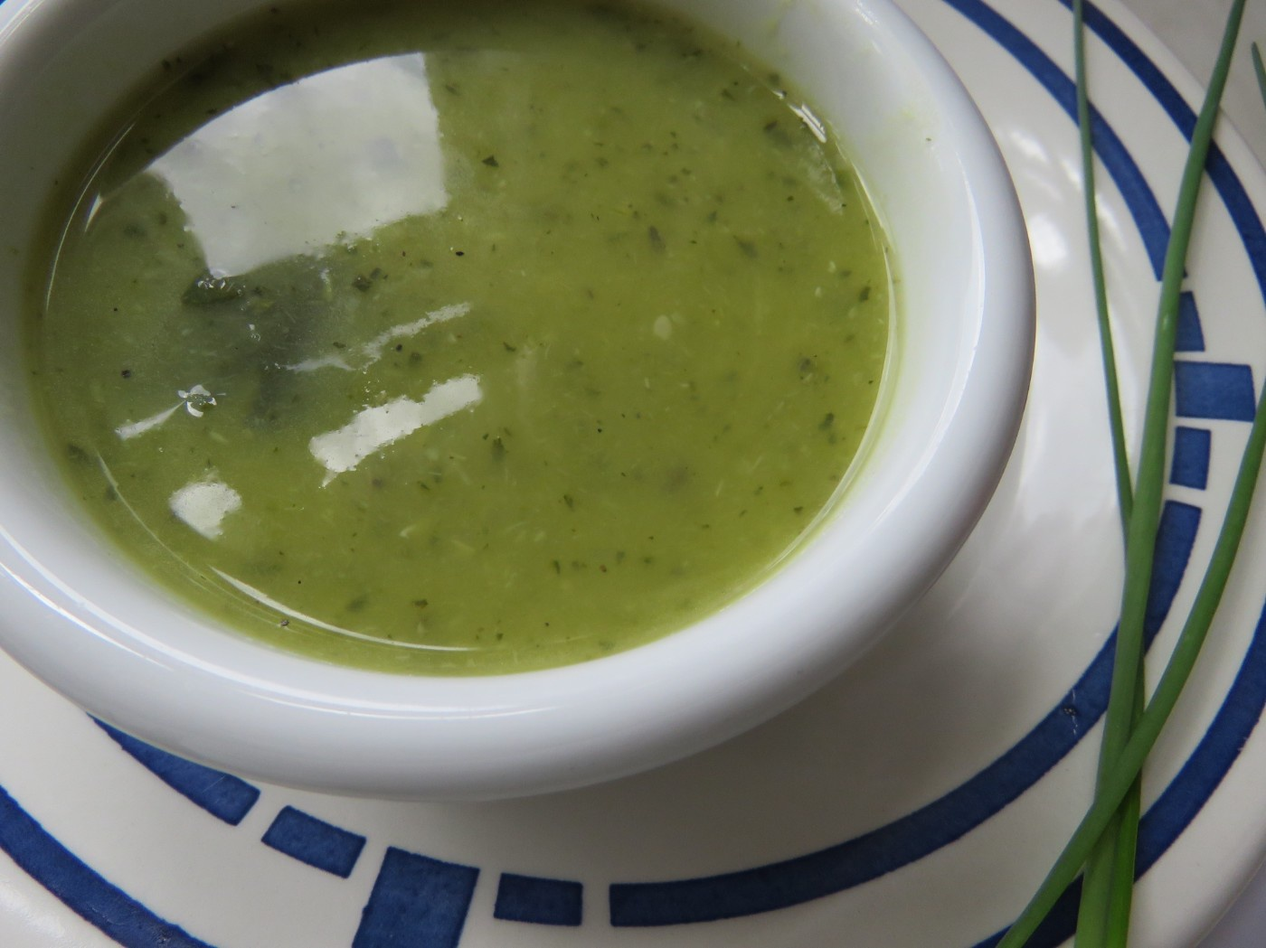 Zucchinicremesuppe in Schüsserl
