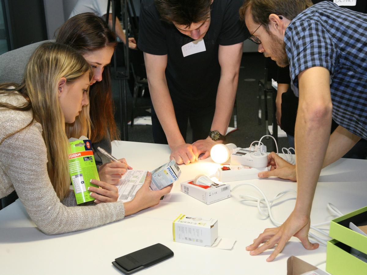 Jugendliche bei energie-führereschein Seminar